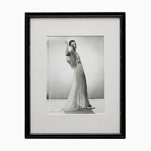 Fotografie einer Frau von Man Ray