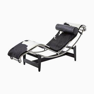 Chaise longue Lc4 di Le Corbusier, Pierre Jeanneret & Charlotte Perriand per Cassina