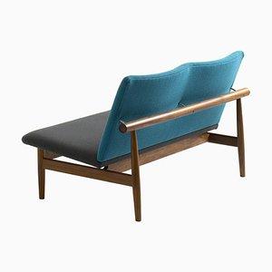Japan Series 2-Sitzer Sofa aus Holz und Stoff von Finn Juhl