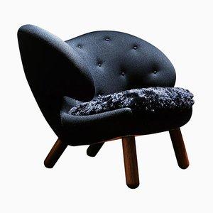 Pelican Chair by Finn Juhl
