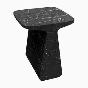 Mesa de centro escultural Pura de mármol Marquina negro de Adolfo Abejon