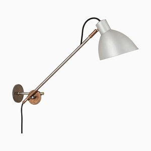 Lampada da parete Kh #1 in ferro di Sabina Grubbeson per Konsthantverk
