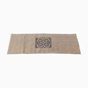 Camino de mesa colección Ainu de lino de SoShiro, 2020