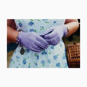 Lila Handschuhe, Goodwood, Chichester, Feminine Fashion, 2009, Farbfotografie
