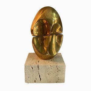 Scultura ovale in miniatura in bronzo e travertino di Domenico Calabrone, anni '70