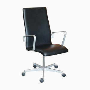Oxford Classic High Back Black Leather Armchair from Fritz Hansen