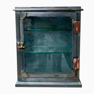 Antiker glasierter Medizinschrank aus Stahl