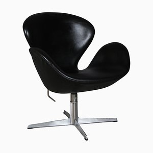 Swan Chair by Arne Jacobsen for Fritz Hansen, 1973
