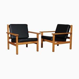 Model 220 Black Aniline Leather Lounge Chair by Hans J. Wegner for Getama, Set of 2