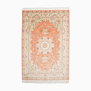 Floraler Tabriz Teppich mit Rand und Medaillon