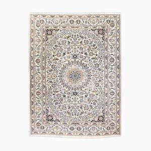 Floraler Nain Teppich mit Rand und Medaillon