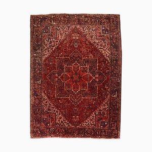 Geometrischer Heriz Teppich in Dunkelrot mit Rand und Medaillon