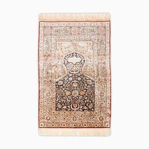 Floraler Kayseri Teppich aus reiner Seide mit goldenen Fäden & Rand