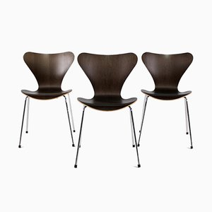 Series 7 Chairs by Arne Jacobsen, Set of 3
