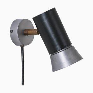 Lámpara de pared Kusk de cuero negro y hierro de Sabina Grubbeson para Konsthantverk