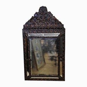 Specchio da parete antico in metallo pressato