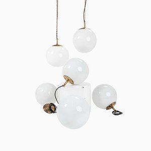 Hailware Globe Opaline Lamp