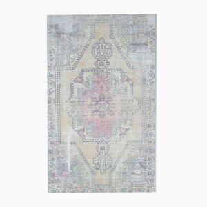 Antiker orientalischer handgefertigter Teppich mit gelbem Wollbezug