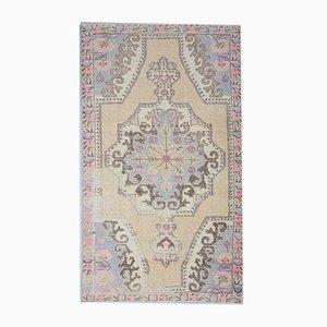 Antiker orientalischer handgefertigter Oushak Teppich