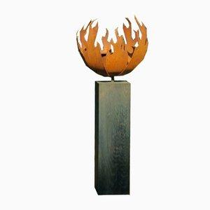 Stefan Traloc, Flame, 2016, pedestal de roble oxidado