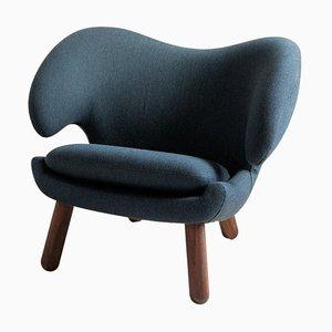 Pelican Chair Upholstered in Fabric by Finn Juhl
