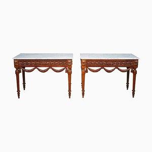 Mesas consola estilo Luis XVI de nogal. Juego de 2