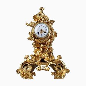 Napoleon III Uhr aus vergoldeter Bronze im Rocaille Stil, 19. Jh