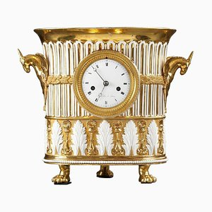 Reloj de porcelana en forma de jarrón, principios del siglo XIX