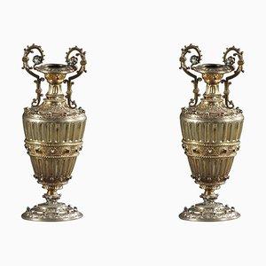 Österreichisch-ungarische Vasen aus vergoldetem Silber mit Edelsteinen, 19. Jh., 2er Set