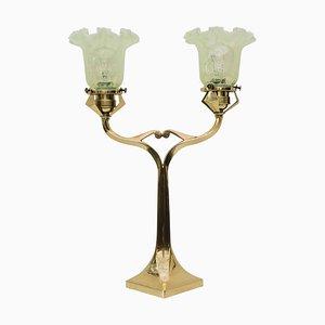 Solide Tischlampe mit Opalglas Schirm