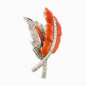 Collier à pendentif diamant, corail rouge et feuille d'or blanc 14 carats
