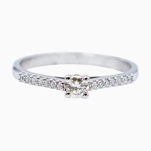 Anello di fidanzamento con diamante bianco e oro bianco a 18 carati
