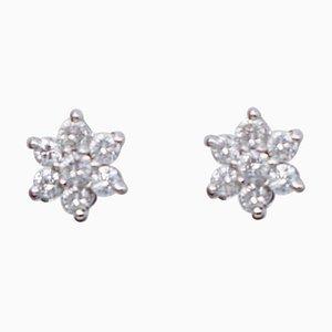 Orecchini a forma di fiore in oro bianco e diamanti a 18 carati