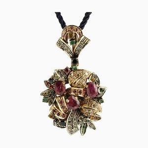 Collana con ciondolo in oro rosa e argento con pietre multicolori, rubini, smeraldi e zaffiri