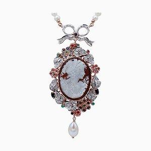Collana con diamanti, smeraldi, zaffiri, rubini, perle, oro 14kt e argento
