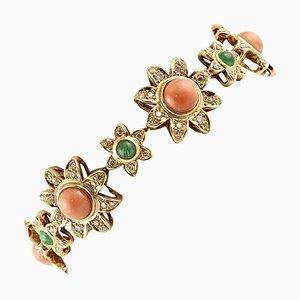 Brazalete de diamantes, esmeralda, coral y flor de oro rosa de 14 kt