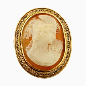 Cameo Brooch in 18K Yellow Gold