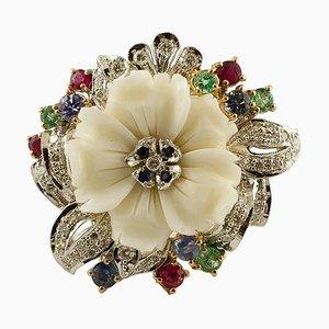 Anello con diamante, rubino, smeraldo, zaffiro, corallo bianco e oro bianco a 14 carati