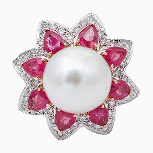 Anillo de oro blanco y amarillo de 14 kt con perlas, diamantes, rubíes y los mares del sur