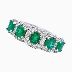 Anillo de esmeralda, diamantes y oro blanco de 18 kt