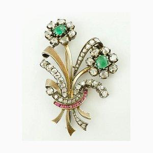 Diamant, Smaragd, Rubin, 18 Karat Gold und Silber Brosche