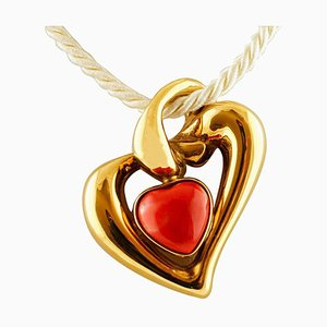 Heart Pendant in 18K Yellow Gold and Rubrum Coral