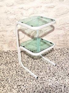 Italienischer moderner Nachttisch oder Beistelltisch