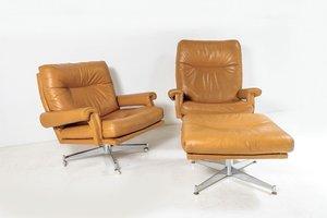 Chaises Pivotantes Mid-Century en Cuir Tanné avec Repose-Pieds sur Base en Chrome de Howard Keith, 1960s, Set de 2