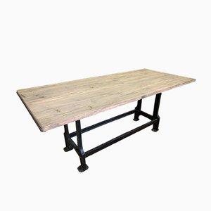Großer industrieller Holztisch mit Gusseisen Füßen