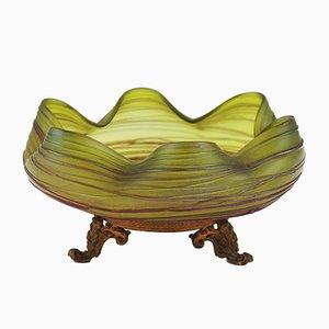 Schillernde Glasschale im Stil von Kralik