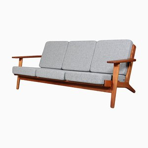 Sofá de tres plazas modelo 290 de roble de Hans J. Wegner para Getama