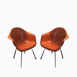 Poltrone DAX in fibra di vetro arancione di Charles & Ray Eames per Herman Miller, set di 2