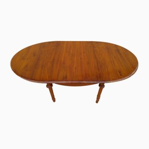 Ausziehbarer ovaler Tisch