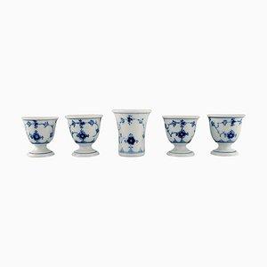 Jarrón estriado azul y cuatro hueveras de Bing & Grøndahl, años 20. Juego de 5
